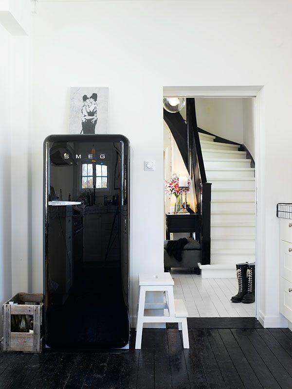 black & white kitchen: Kitchens, Blackandwhite, Floors, Black And White, Interiors, Black White, Smeg Fridge, Design, Black Smeg