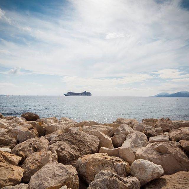 ZFP plavba 2017 na lodi MSC Orchestra plná zážitkov a dychberúcich výhľadov. Preplavili sme cez 2300km v smere -> Genoa -> Cannes -> Palm (Malorca) -> Barcelona -> Ajaccio (Korzika) -> Roma -> Vatikan -> Tore di Pisa -> Genoa. A mierime stále ďalej a už teraz sa tešíme na Karibik 2018.  #zfp #zfpa #zfpakademia #msc #mscorchestra #plavba #genoa #cannes #palm #barcelona #ajaccio #roma #vatikan #pisa