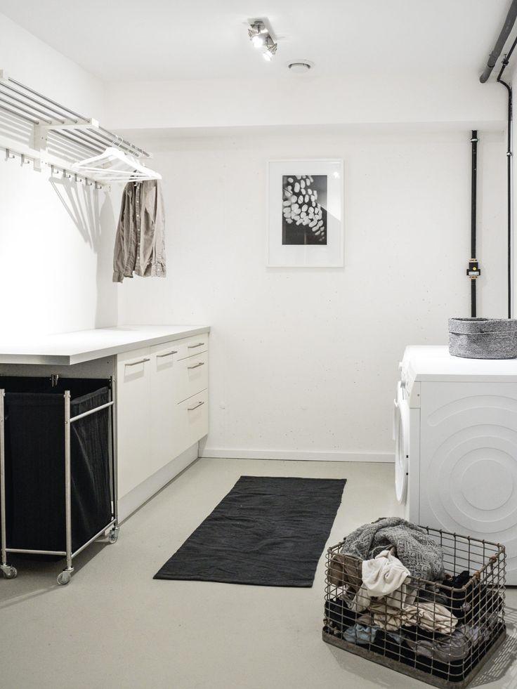 Waschküche: Stein auf Stein » Rohre im Keller ve…