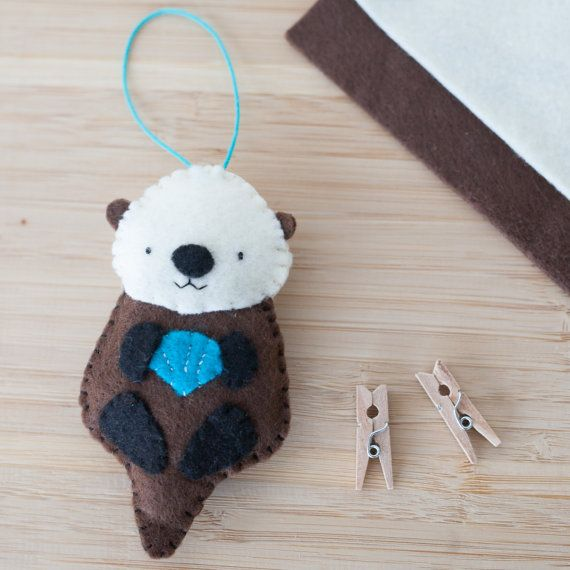 Handmade Felt Otter Ornament, Decorative Felt Animal Ornament, Felt Otter, Nursery Decoration, Home Decor, Baby gifts, Sea Creatures