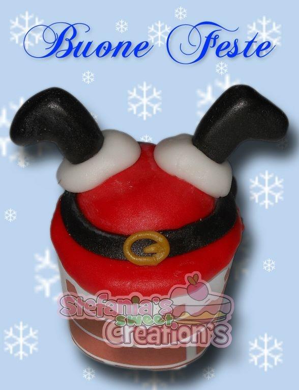 Cupcake Babbo Natale incastrato nel camino-tutorial