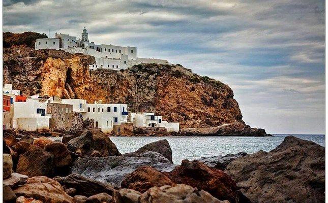 Το μοναστήρι της Παναγίας της Σπηλιανής, προστάτιδας του νησιού, στο Μανδράκι #Greece #travel http://diakopes.in.gr/trip-ideas/article/?aid=210358