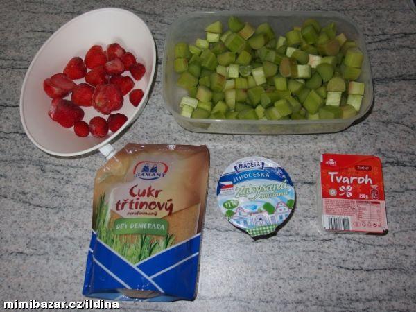 zmrzlina z rebarbory a jahod