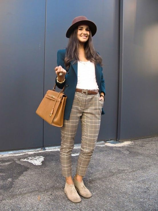 I'm looking for short boots for the fall and winter, and this photo is some great inspiration of how to wear women's desert boots with cropped pants!