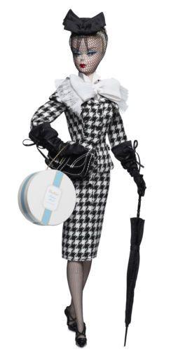 Barbie-de-collection-walking-suit-en-silkstone