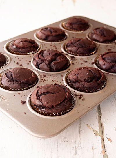 nutella ganache cupcakes. I NEED to make