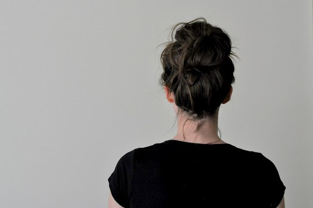 If I had long hair I would want to wear it this way! -> 3 easy bun tutorials  by Cotton & Curls http://cottonandcurls.blogspot.com: Hair Beautiful, Hair Tutorials, Easy Bun Tutorial, High Buns, Hair Hairstyles, Easy Buns Tutorials, Messy Buns, Messy High, Messy Bun Tutorials