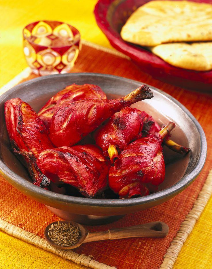 Il pollo Tandoori è una delle pietanze tipiche della cucina indiana. È molto speziato ma non troppo piccante. Prova la ricetta di Sale&Pepe.