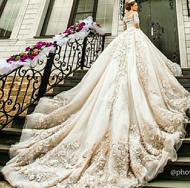 1024 best wedding gowns images on Pinterest | Wedding bridesmaid ...