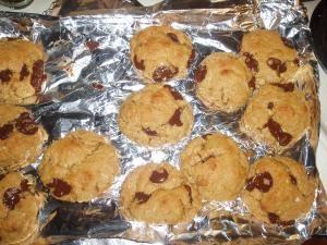peanut butter banana choc chip cookiesP1010020