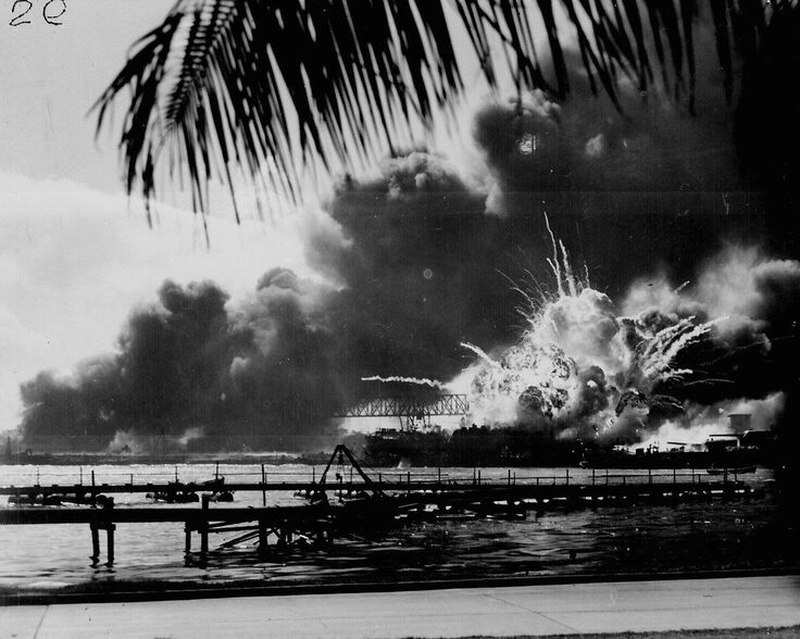 USS SHAW exploding during the Japanese raid on Pearl Harbour (USA, 1941).