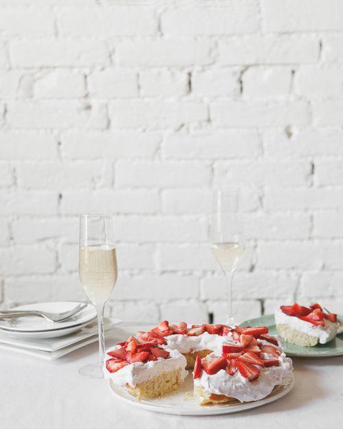 Recipe: Limoncello Ricotta Cake with Strawberry Cream