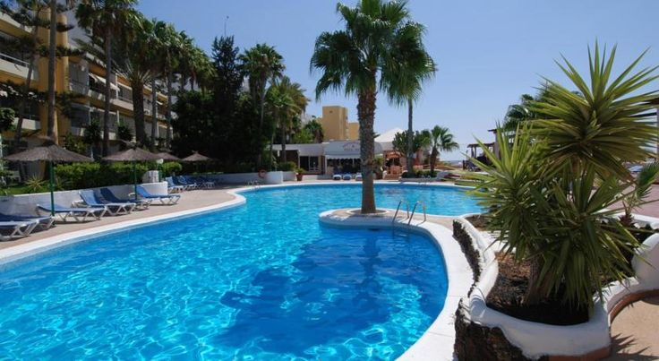 Apartamentos Matorral Morro del Jable The Matorral apartments are just 200 metres from Jandia beach in the south of Fuerteventura, a popular destination for water sports. They offer an outdoor swimming pool and spectacular sea views.