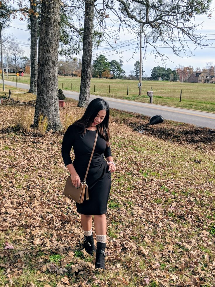 Let's make 'curvy petite' a relevant term for Pinterest search. Let's own it! All body types are beautiful. So is our curvy yet petite body type too. #curvypetite #curvy #curvygirls #petite #curves #bodypositive #fall #autumnfashion #autumn #falloutfit #fallseason