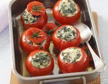 Gefüllte Tomaten mit Spinat und Ricotta