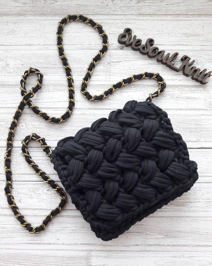 "64 Likes, 10 Comments - Bags, home decor (@evesoul_knit) on Instagram: ""Ещё одна чёрная малышка едет к своей хозяйке. ⚘На магнитной кнопке. ☄☄☄☄☄ #трикотажнаясумочка…"""