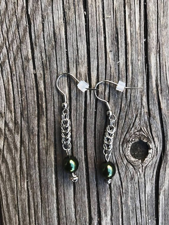 Byzantine earrings with green beads