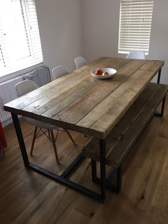 Schöne handgemachte Tabelle aus Altholz, 2 ½ dickem Massivholz und Heavy-Duty Stahl Tabelle nur – Stühle können separat gekauft werden bei £40 in einer Vielzahl von Farben / Bänke beginnen bei £115 • Starke Stahlgestell, robust und solide zu halten • Das Holz abgebildet in Wachs –