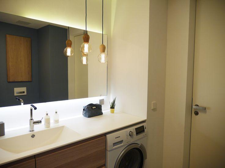 die besten 25 bad pendelleuchte ideen auf pinterest badezimmer waschbecken badezimmer und. Black Bedroom Furniture Sets. Home Design Ideas