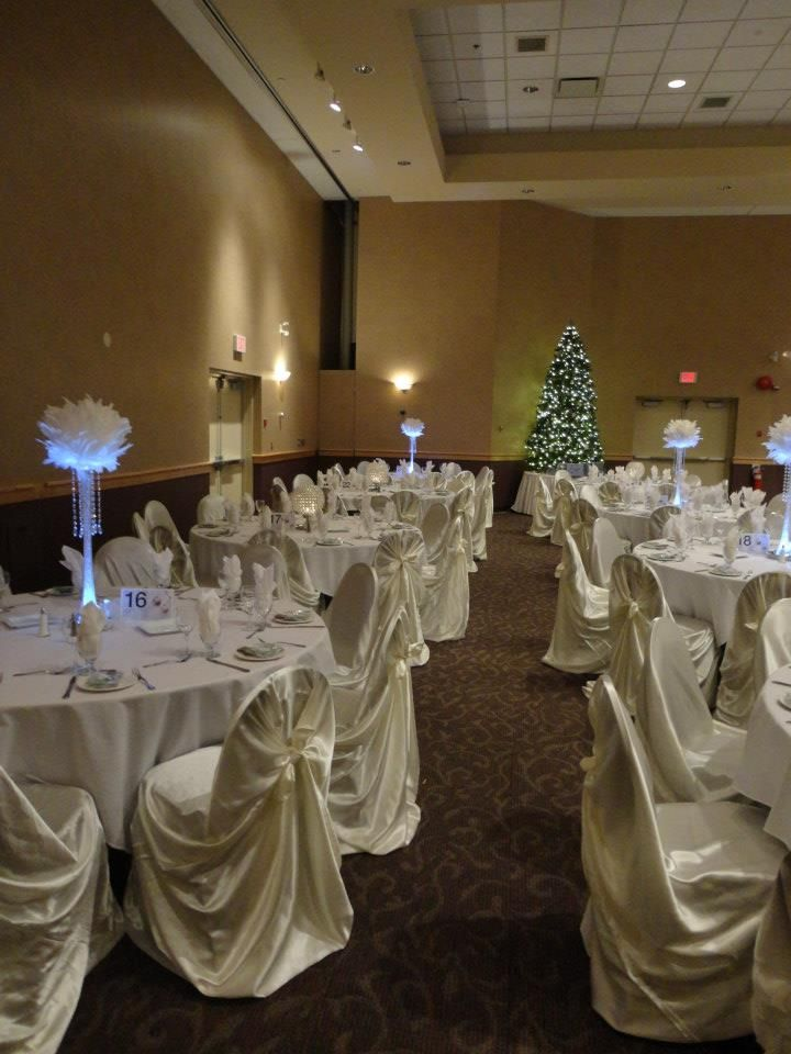 Decor by aglow bridal lounge for Wedding reception table linen ideas