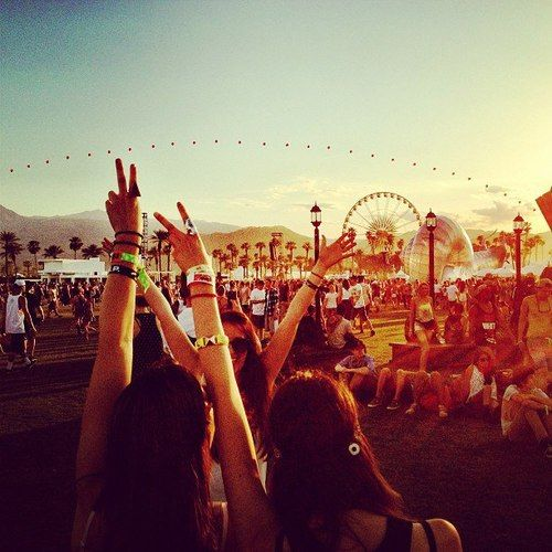 ☼ ☯ ✿ ✿ ☯ ☼ - best friends summer spring warm hot weather girlfriends friend soulmates festival party outside music coachella peace