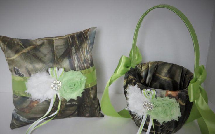 Realtree Camo Wedding Flower Girl Basket, Brown Camo Wedding Ring Bearer Pillow, Realtree Max 4 Camo Satin Wedding Set with Green