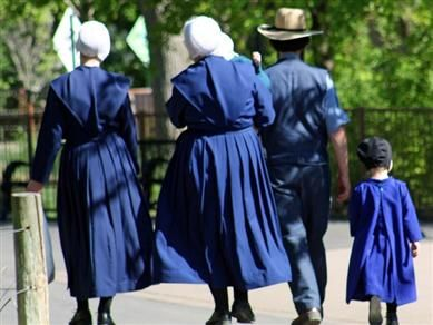 """Delightful Amish Proverbs""""The time to make friends is before you need them."""" Read more at http://www.beliefnet.com/Inspiration/Galleries/Delightful-Amish-Proverbs.aspx?p=9#sRZhVcDOHCCKh6rf.99"""