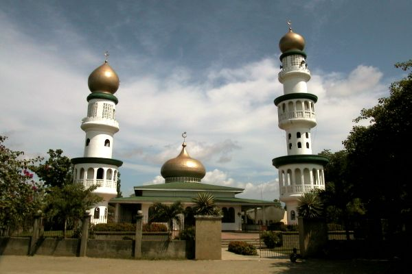 islamic history of philippines | ... Islam was first introduced on Philippine shores via the Sulu