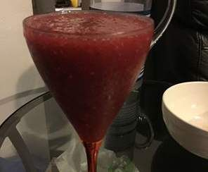 Recipe Instant Frozen Raspberry Cosmopoliton by Neeny - Recipe of category Drinks