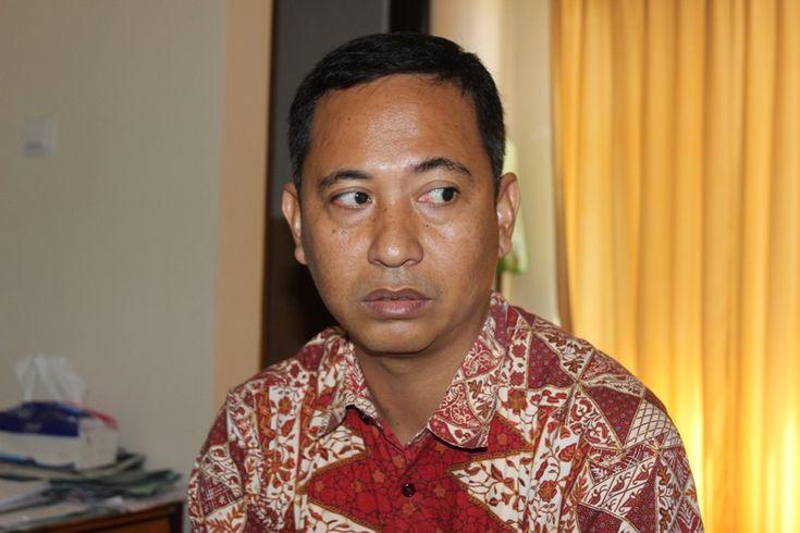 Kabar meninggalnya Kepala Seksi Penyehatan Lingkungan Dinas Kesehatan (Dikes) Sumbawa, Hamzah di pulau Moyo dibenarkan oleh Sekretaris Dikes Sumbawa