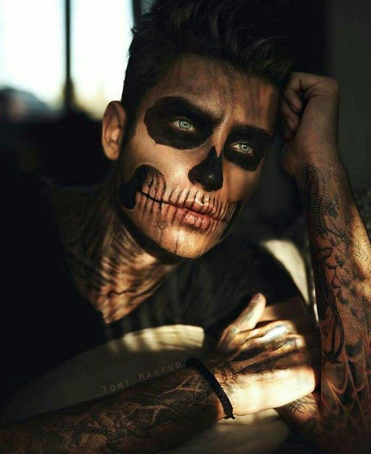 maquillage homme pour Halloween - tête de mort facile