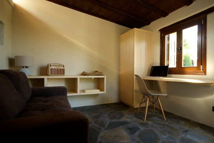 Natural materials at a rural contemporary holiday rental | crafted by AKA LAb Architects