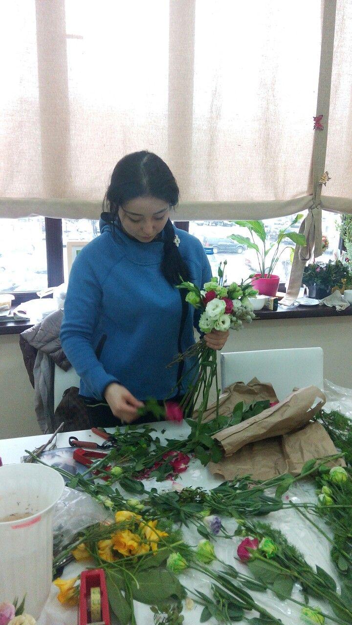 Ученица Айша. Отработка спирального букета невесты
