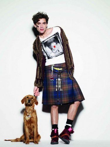 Mika in a kilt with Melachi