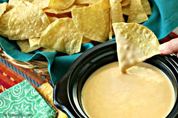 Cheese+sauce+that's+velvety+smooth+for+nachos,+fries,+pretzels,+hot+dogs,+baked+potatoes,+broccoli+and+more.+Made+with+real+cheese--no+Velveeta!+Make+ahead+convenience.+#Queso+#Nachos+#Dip+#CheeseSauce+#SlowCooker+#CrockPot+#MakeAhead+#StoveTop+#QuesoDip