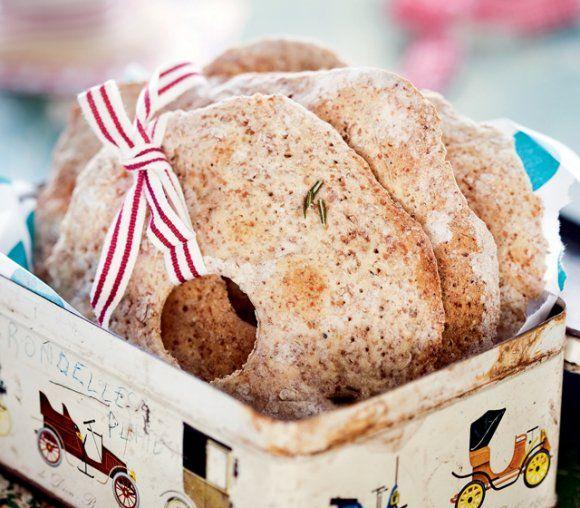 Knäckebröd med fänkål och rosmarin | Recept.se