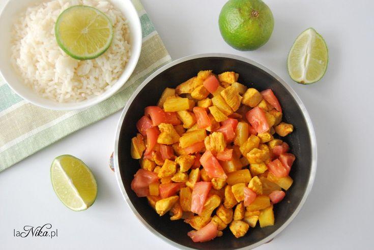 Kurczak z ananasem i pomidorem