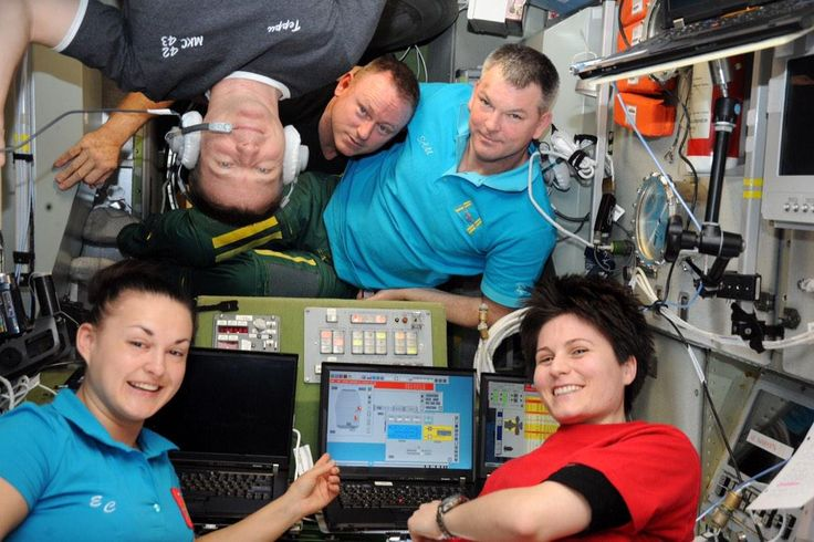 MT @AstroTerry: the #Exp42 crew together yesterday admiring the warnings from our false alarm. As always #DontPanic!