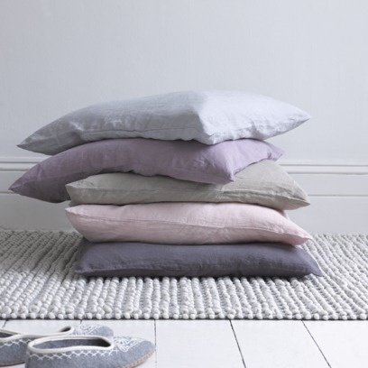 SCRUNCH CUSHION There's a reason why these cushions are so special: it's all down to the processes the Belgian linen goes through. It's woven to give it a laid-back, crushed feel. It's piece dyed for lovely colour variations. And then it's washed for a scrummy, vintage feel.