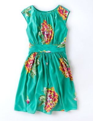 I've spotted this @BodenClothing Selina Dress Green Party Floral