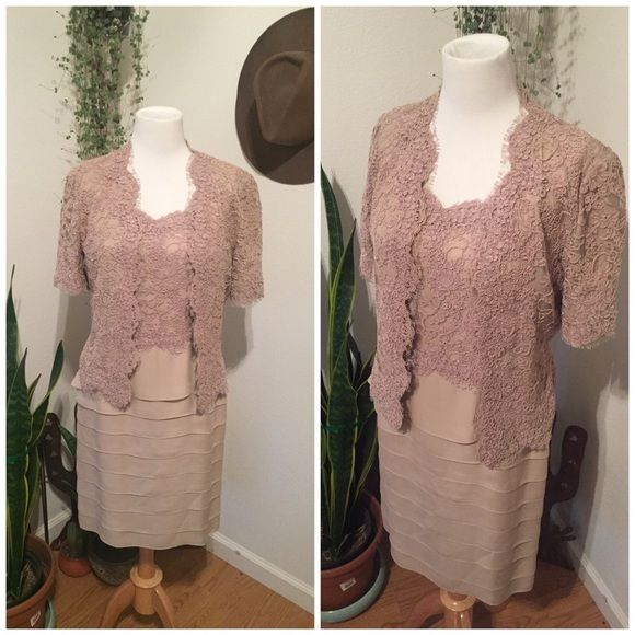 VINTAGE CAROLINA HERRERA Amazing vntg CH cocktail dress this is a pre owned item but is like new. this is a two piece set if you need measurements and more please ask Carolina Herrera Dresses