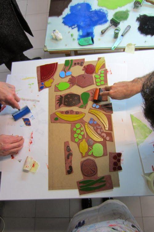 Aquí deixamos algunhas imaxes do proceso de elaboración do novo libro ilustrado por Marc Taeger  para Kalandraka  en colaboración cos obrad...