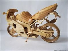 Mini motos de madera