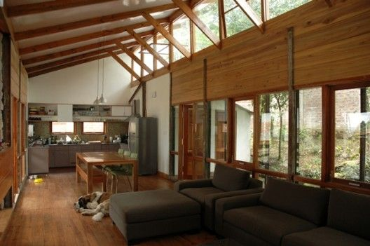 Solaripedia green architecture building clearstory for Clerestory roof design