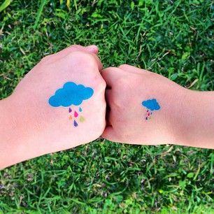 """""""Deixa a chuva te avisar que o sol vai brilhar pra você"""" Charlie Brown Jr. Kit NUVEM COLORIDA. www.tattooux.com   @tattooux_oficial #tatuagenstemporarias #tattoo #adolescente #kids"""