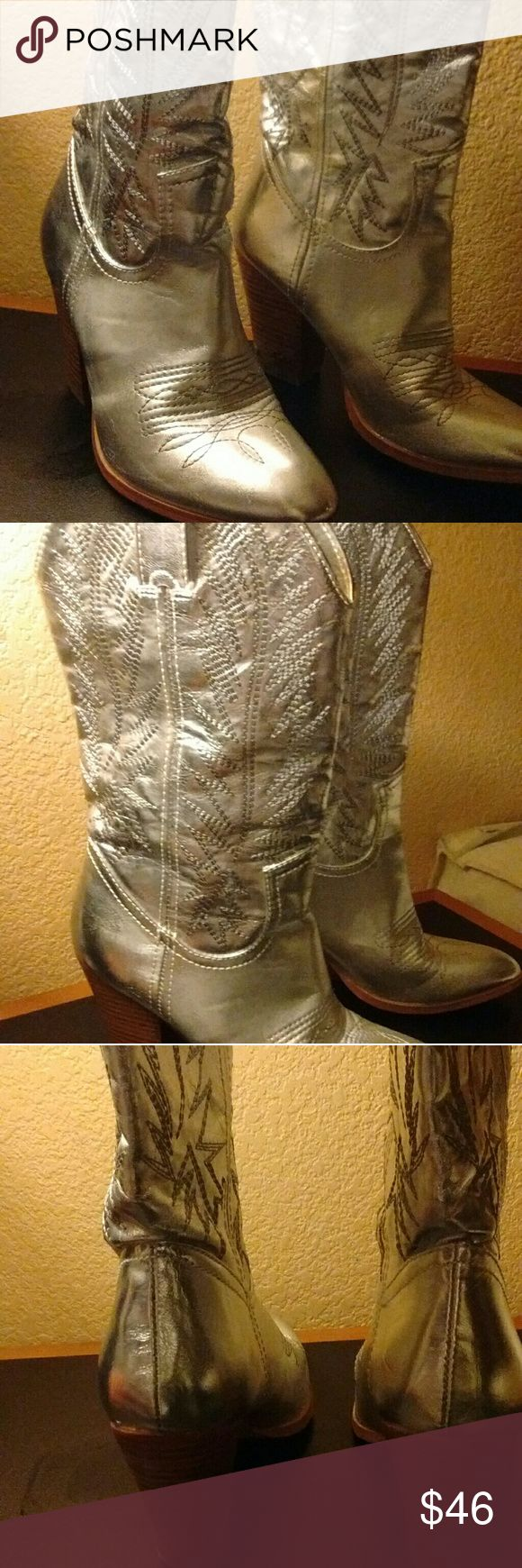 Cowgirl boots Awesome silver boots great condition Miranda Lambert Shoes Heeled Boots