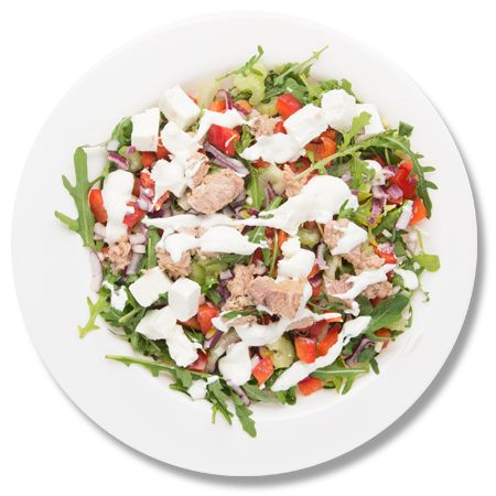 Salata cu ton si sos de smantana_plate