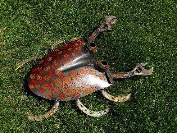 Big Shovel Crab welded garden art by Sistersteel on Etsy, $63.00
