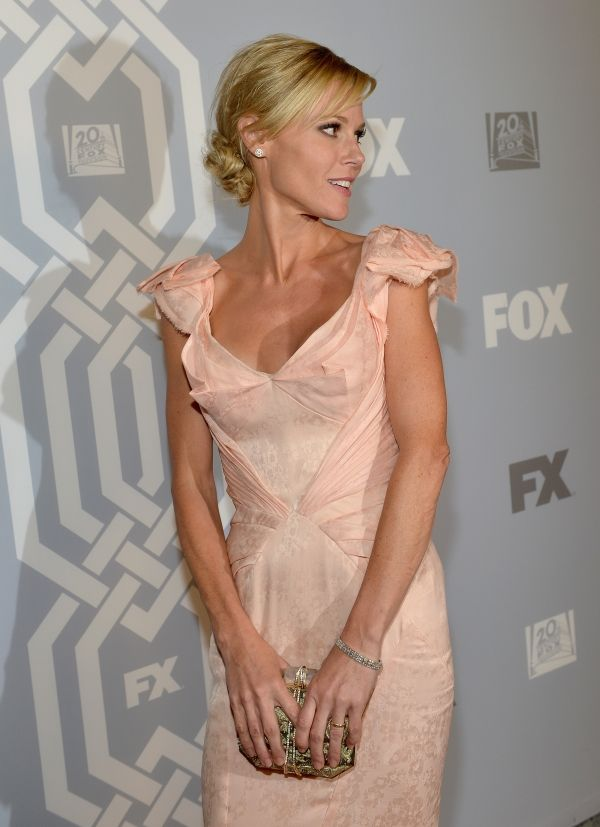 'Modern Family' Twitter Hot Julie Bowen Anorexic Weight Scare: Husband Scott Philips Stages Intervention