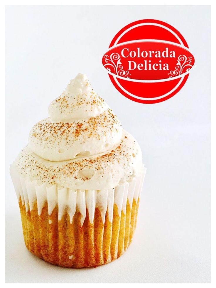 Cupcake de manzana y canela con frosting de queso crema y topping de canela en polvo. 🍏  #cupcakes #cake #cakes #chesse #manzana #apple #canela #cinnamon #delicious #coloradadelicia #mexico #cdmx #fiestas #party #reuniones #eventos #cumpleaños #birthday #regalo #sorpresa #family #familia #friends #postres #beautiful #monday #happymonday #life #love #happy #smile